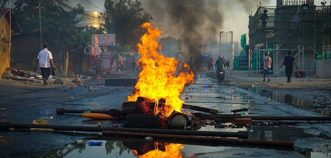 Is democratie een uitstervende soort? wereldwijde protesten tonen het aan