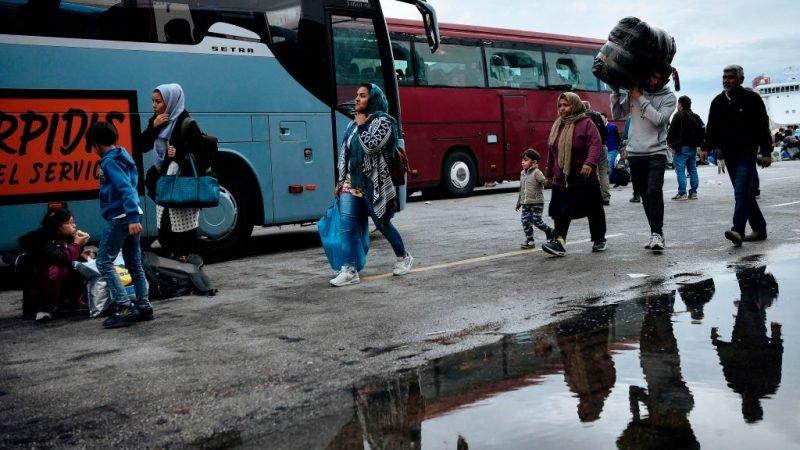 Blokkade in Noord-Griekenland: Migrantenbussen moeten terugkeren