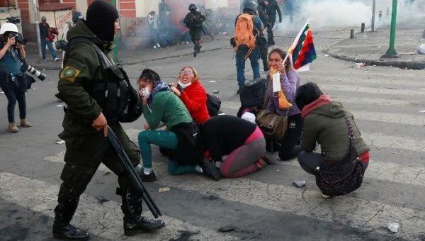 Boliviaanse coup en indianen-oorlog op Thanksgiving