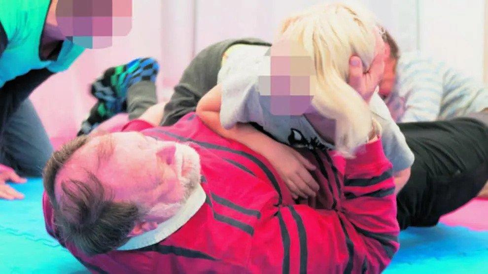 Als pedofielen rommelen: georganiseerd kindermishandeling in Berlijnse kleuterscholen