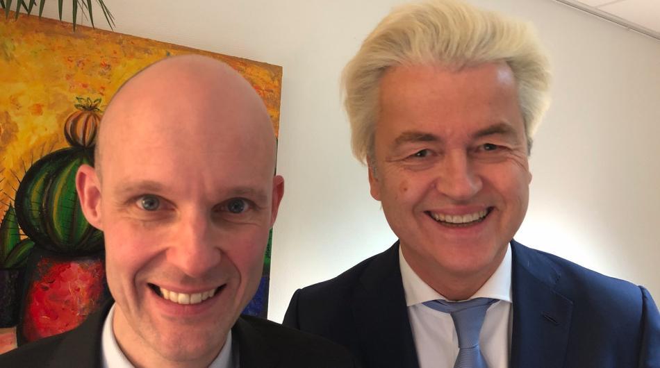 Wilders, gooi racistische PVV'er Maurice Meeuwissen er eens uit: 'Alle Turken retour zandbak!'