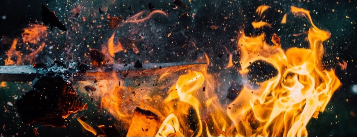 Linkse extremisten zetten zich in voor brandstichtingaanvallen op het Duitse belastingkantoor