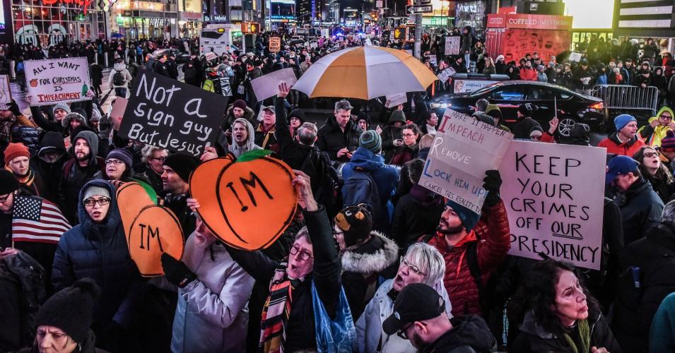 Honderden duizenden gaan naar straten in alle 50 staten met een eenvoudige boodschap voor het congres: 'Tijd om Trump te beschuldigen en te verwijderen'