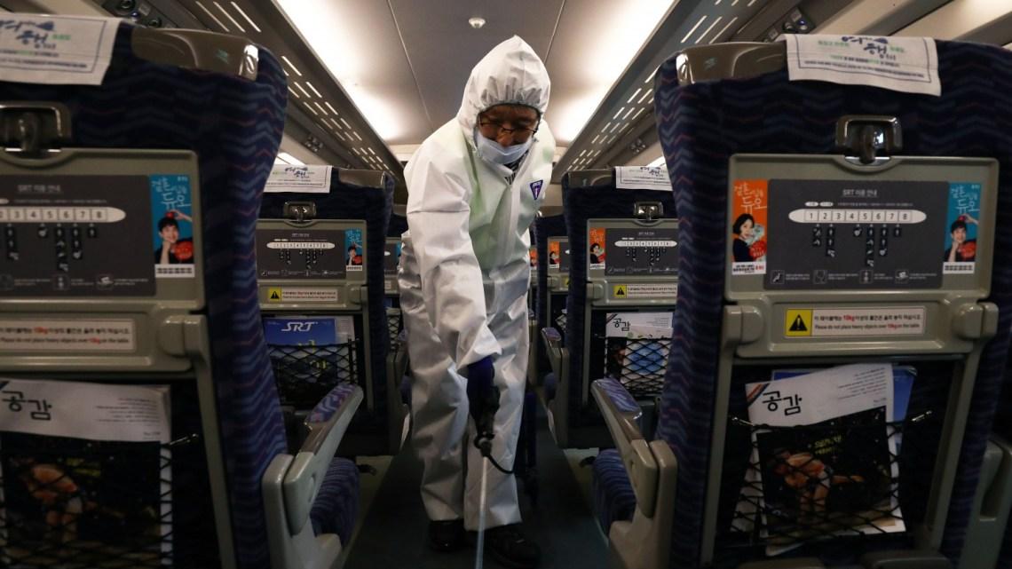 Nieuw coronavirus kan veel besmettelijker zijn dan aanvankelijk gedacht