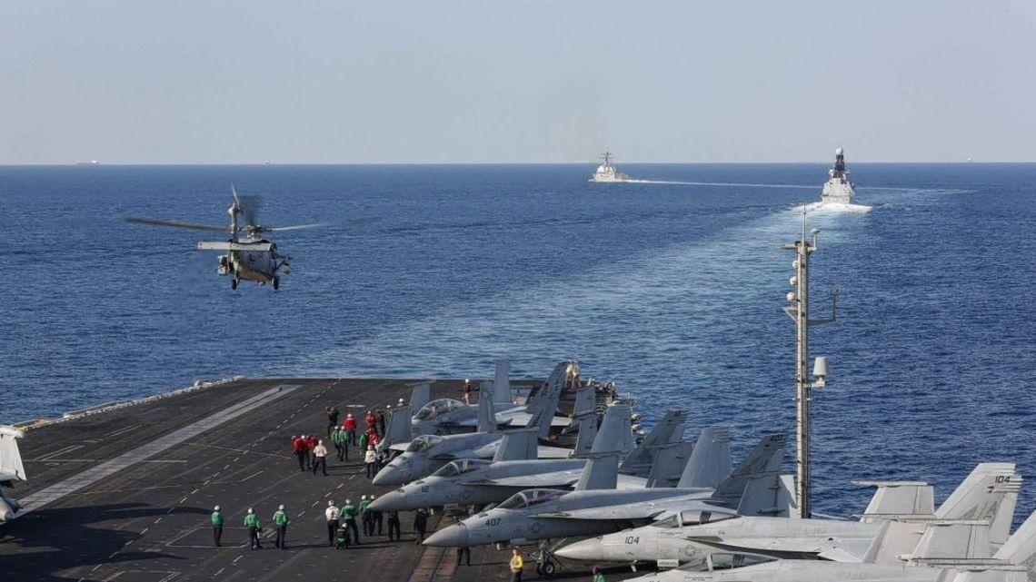 Bloed voor olie! Nederland stuurt marineschip