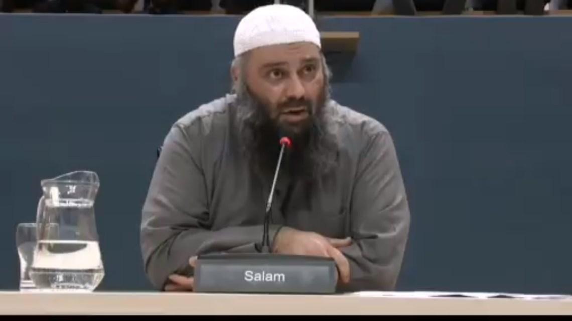 Ruzie! Haatimam zoekt ruzie met onderzoekscommissie in verhoorzaal Tweede Kamer: 'Jullie willen mij de mond snoeren!'