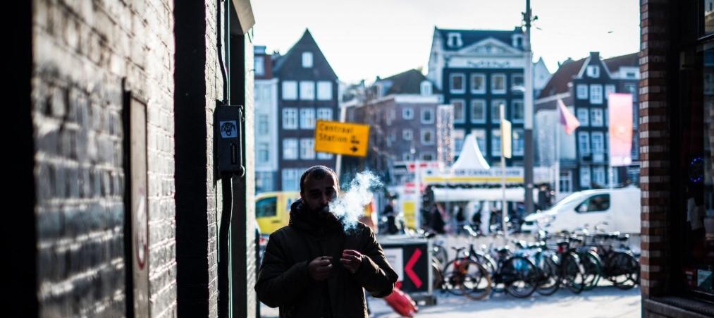 De helft van de Amsterdamse vrouwen is geïntimideerd op straat, zegt burgemeester