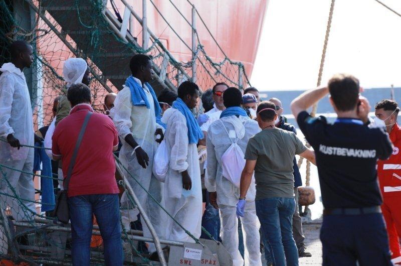 Ongecontroleerde massa-immigratie: de verzorgingsstaat van Zweden in acuut gevaar!