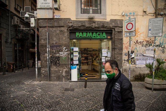 Spanning in Zuid-Italië met plunderingen in supermarkten en roept op tot rebellie