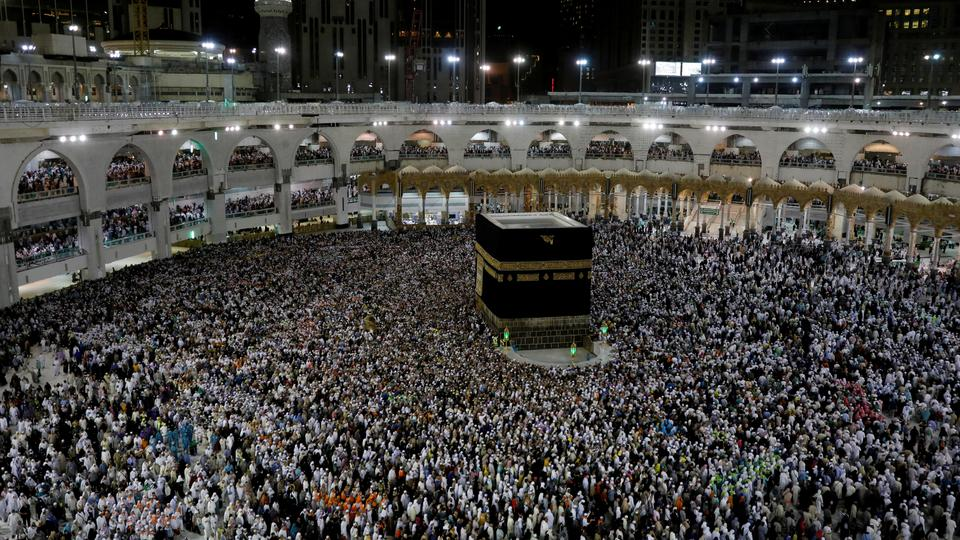 Saoedische ambtenaar dringt er bij moslims op aan de bedevaartplannen over het virus uit te stellen