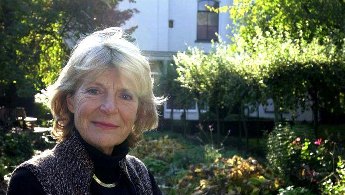 Zwetsende nep-natuurprinses Irene van Lippe-Biesterfeld verprutst met zussen de Baarnse natuur