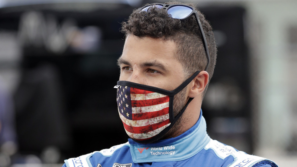 Twitter in rep en roer nadat een STROP naar verluidt werd gevonden in de garage van de zwarte NASCAR-chauffeur Bubba Wallace