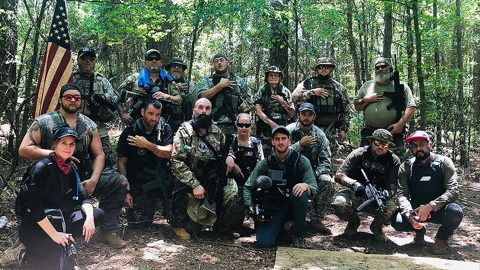De ultra-rechtse militieleider voorspelt het einde van Amerika tegen 2021 en waarschuwt voor een dreigende burgeroorlog