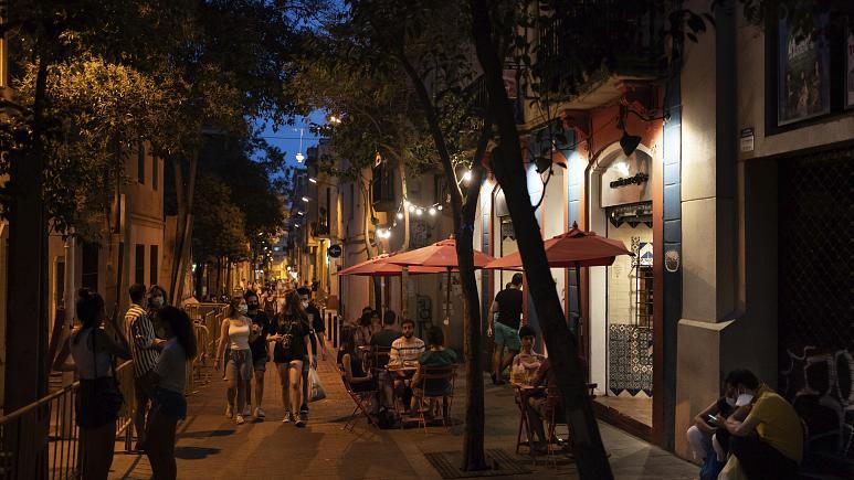 Catalonië sluit late bars en nachtclubs omdat het kampt met een golf van coronavirusgevallen
