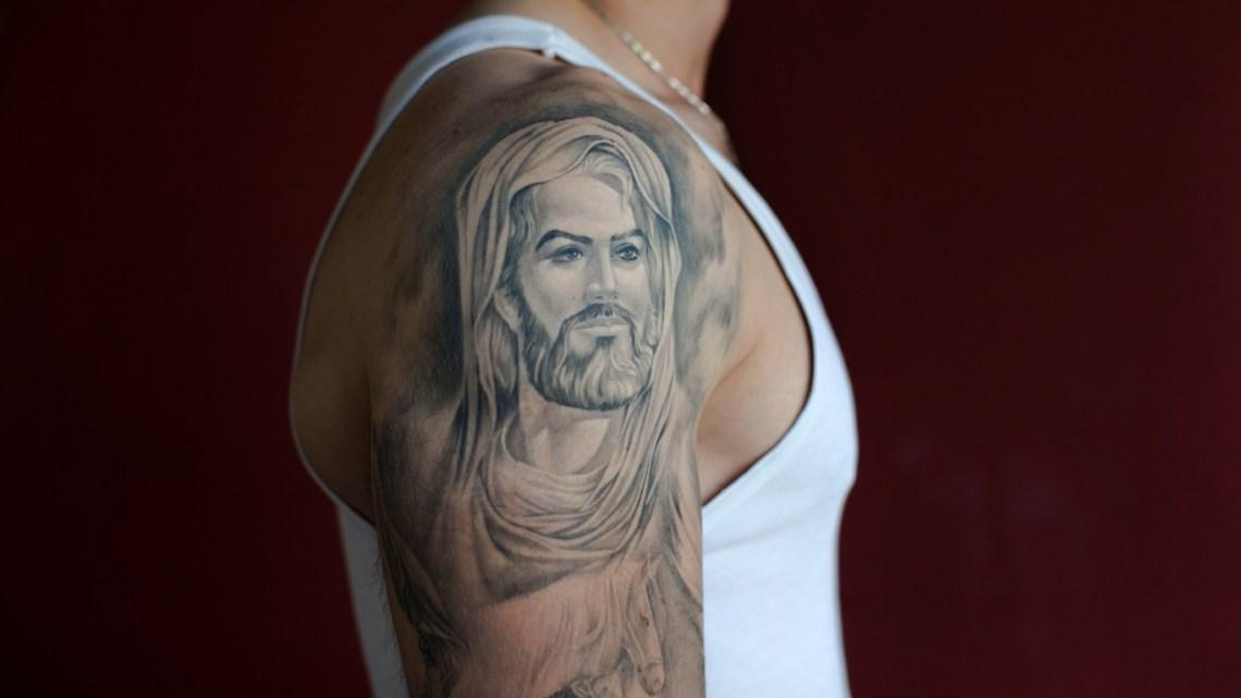 Terwijl het Witte Jezus-debat woedt, ondergaat de islam zijn eigen raciale afrekening