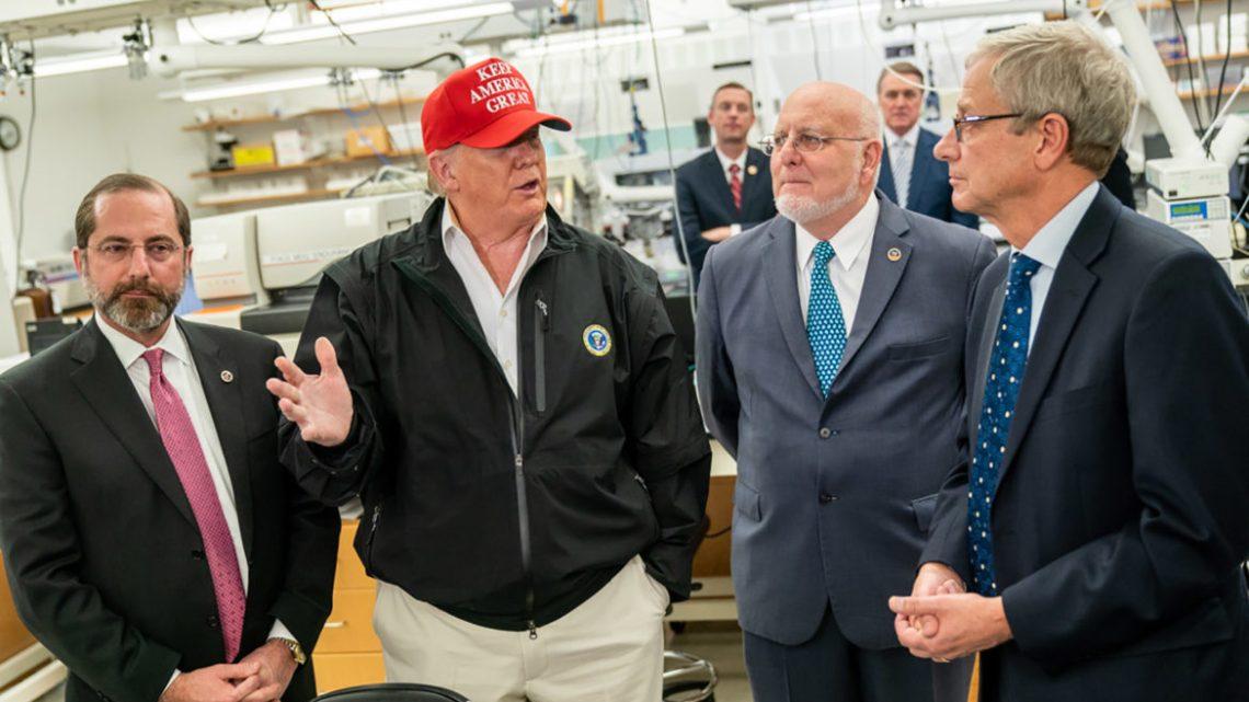 De door Trump aangestelde gezondheidswerkers hebben zich naar verluidt bemoeid met CDC COVID-19-rapporten