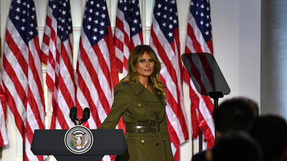 Anti-Trump Twitter ONTWAKT zichzelf om achter Melania aan te gaan omdat ze een immigrant is