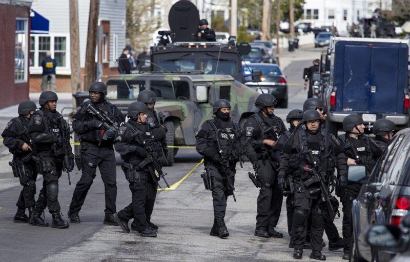 Dit is Amerika: waar fascisme, totalitarisme en militarisme hand in hand gaan