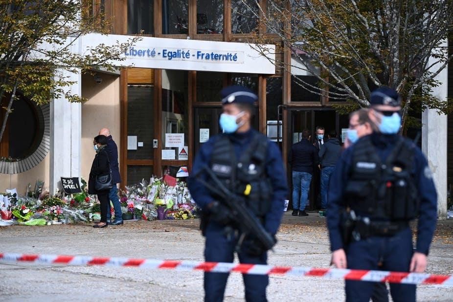 De school terroriseren is de fabriek van de burger van morgen aanvallen