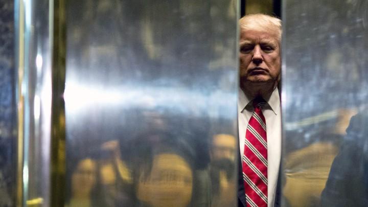 Hoe de burgers in de VS kleptocraten weer bang kunnnen maken voor Amerika