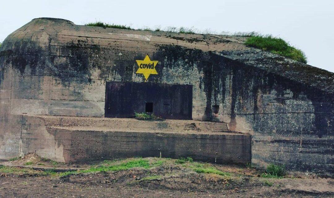 Complotdenkers kalken Zeeuwse bunkers onder met corona-Jodensterren: 'Misselijkmakend, bah!'