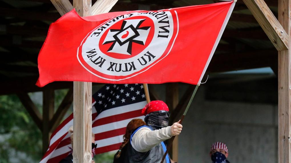 De geschiedenis van de oudste extreem rechtse groepering KKK (Ku Klux Klan)