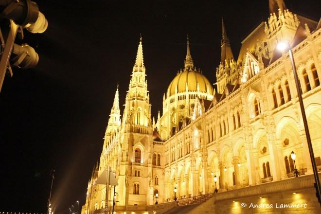 budapest_blaue_stunde_parlament2_k_tipps_budapest_blaue-stunde