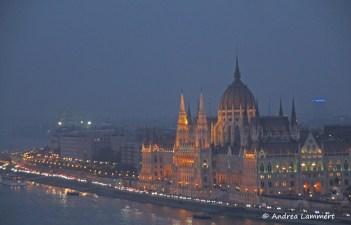Budapest, Parlament, Budapests Blaue Stunde, Geheimtipps für Budapest, Panorama Budapest Burgberg