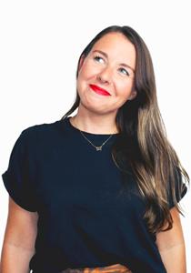 Holly Krois - nyc event organizer