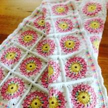 baby-blanket-sunbust-granny-pink