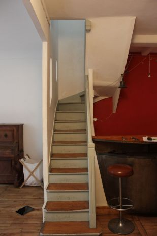 photo-avant-travaux-d-un-escalier-encombrant_5842441