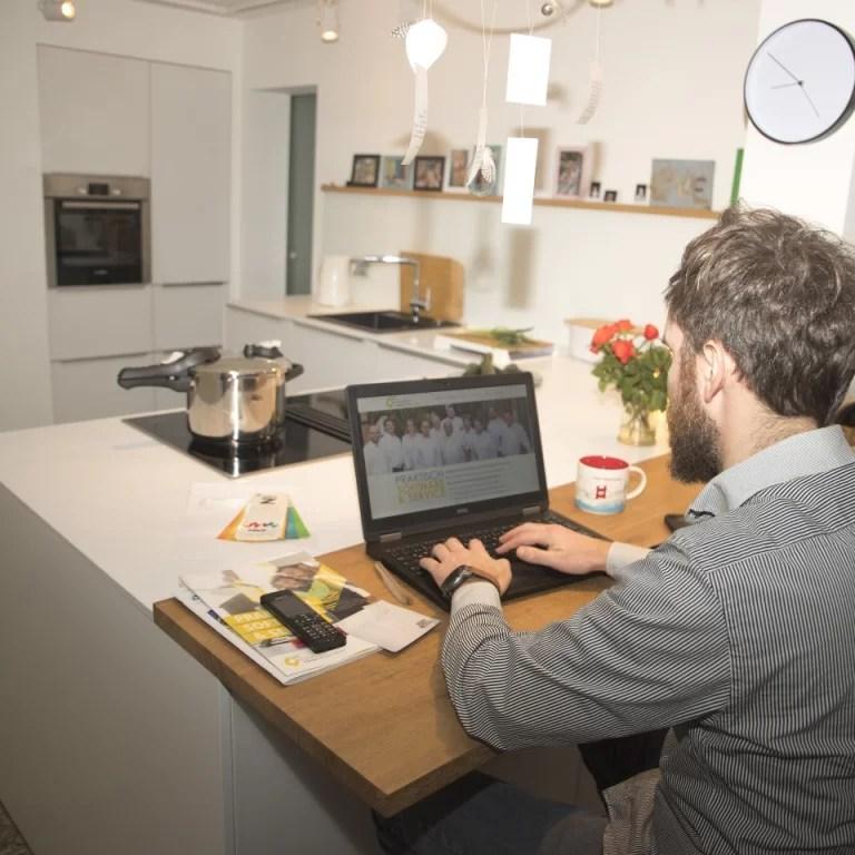 5 Cara Membuat Kantor di Rumah