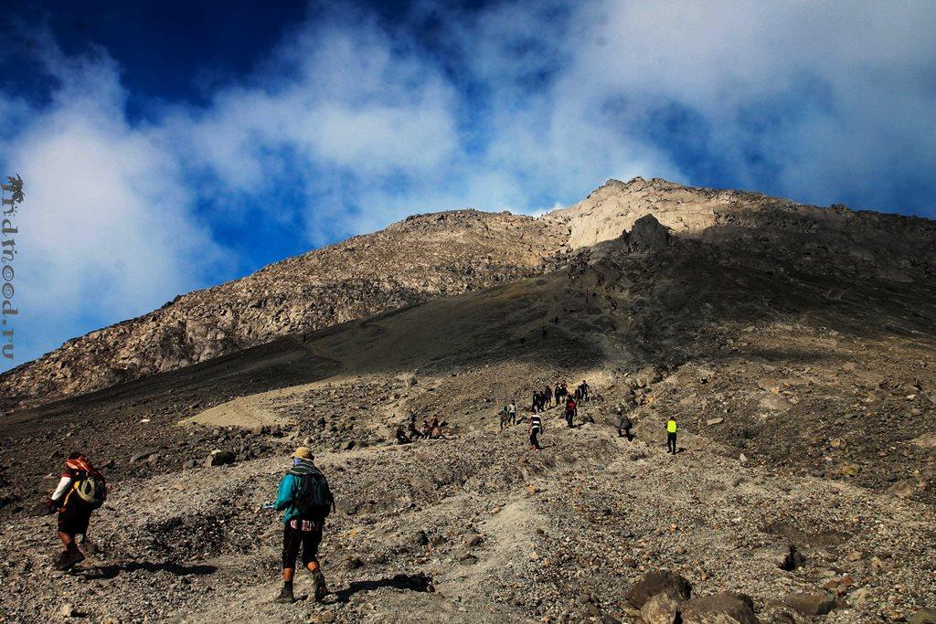 трекинг на вулкан