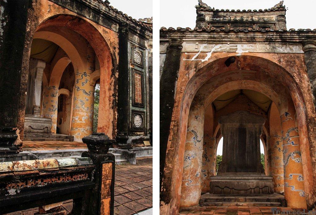 Гробница императора Ты Дык. Павилион. Стелла