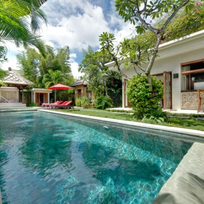 2 bedroom villa for sale in Seminyak Oberoi Area!