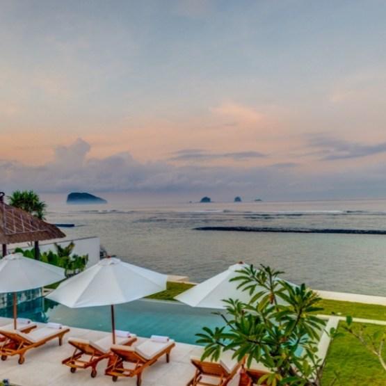 Ocean Fron Villa in Bali
