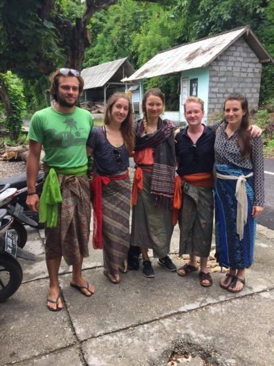 richtige-kleidung-indonesien-tempel-leihen