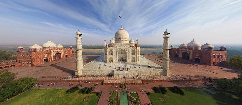 Panorámica aérea del Taj Mahal en Agra