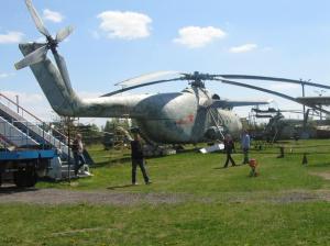 Tampilan belakang heli Mi-6