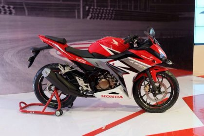 #CBR150ROwnTheRide