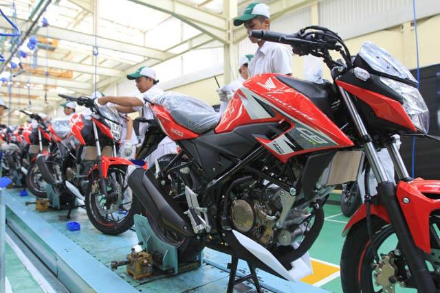 Warna baru New Honda CB150R Streetfire versi 2016