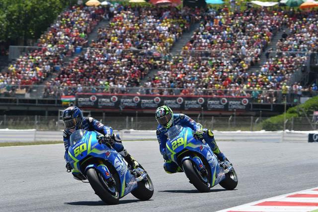 Guintoli meng-overtake Iannone di MotoGP Catalunya