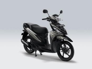 Suzuki Address Playful warna Ice Silver