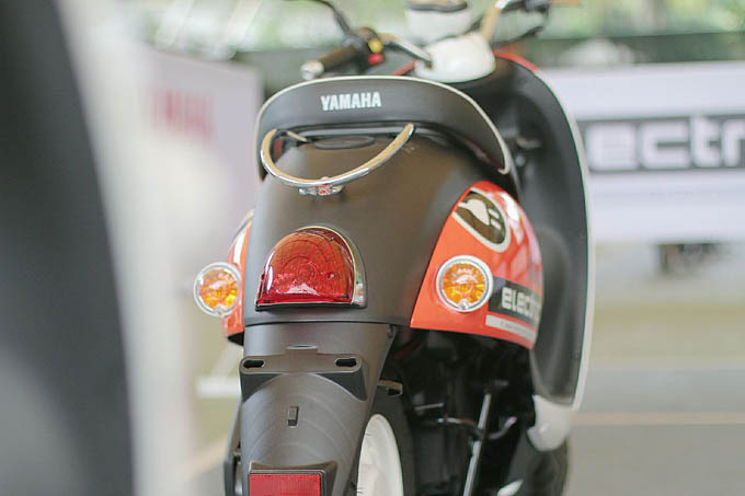 Motor Listrik Yamaha E-Vino Tampak Belakang