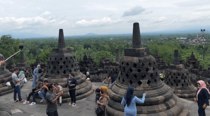 世界最大級の仏教遺跡「ボロブドゥール寺院遺跡群」