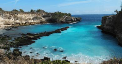 知る人ぞ知る絶景リゾート!バリ離島「レンボンガン島」