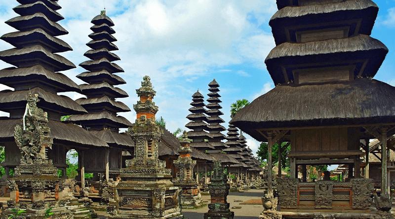バリ島で2番目の大きさ!庭園寺院「タマン・アユン寺院」