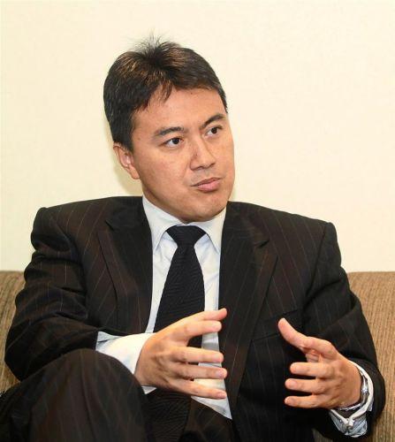 Dr. Fauzi Ichsan