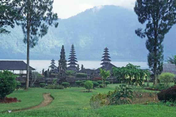 Pura-Rambut-Siwi-tiketholiday