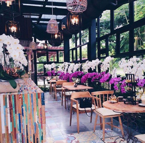extraordinary bali cafes